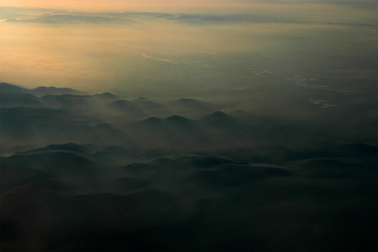 20,000ft above foothills of the Alps